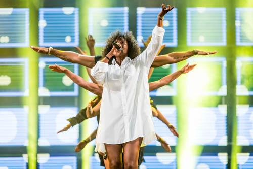 Senhit torna sul palco di Festival Show per la tappa finale in Piazza Unità d'Italia a Trieste con il singolo Dark Room