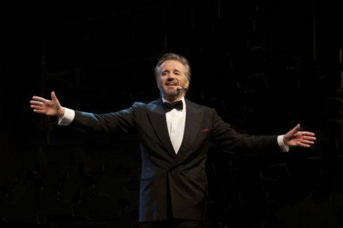 """Christian De Sica vince il """"Premio Penisola Sorrentina Arturo Esposito"""" per il teatro, La premiazione il 26 ottobre"""