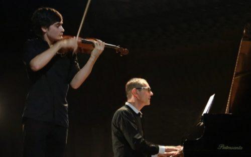 Pagine di Stravinsky, Schönberg, Debussy e Vieuxtemps con il duo Moretti-Carcano alla Camera del Lavoro di Milano