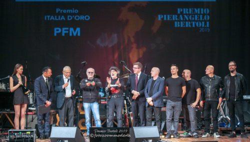 Premio Pierangelo Bertoli, grande successo per la serata finale