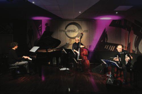 Il trio Azul di Beccalossi, Zanchi e Del Barba chiude a Olgiate Olona la decima edizione di JAZZaltro