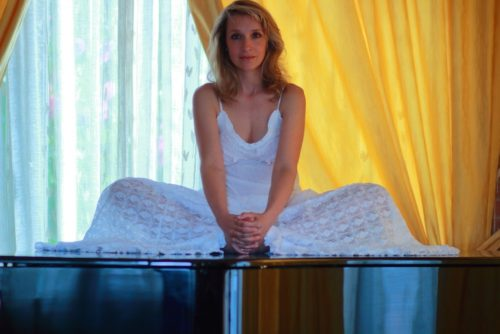 """""""Alkemèlia"""" è il primo disco di inediti di Paola Massoni"""
