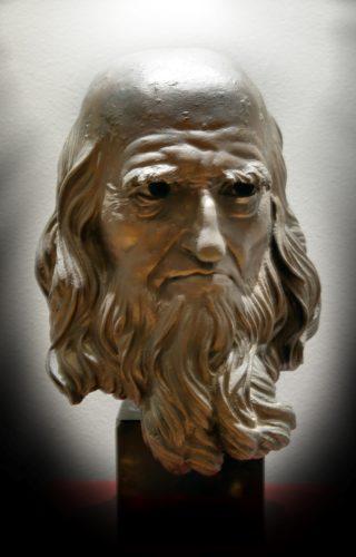 Sul Martinitt di Milano lo sguardo di Leonardo. Nel foyer il busto dello scultore Kossuth