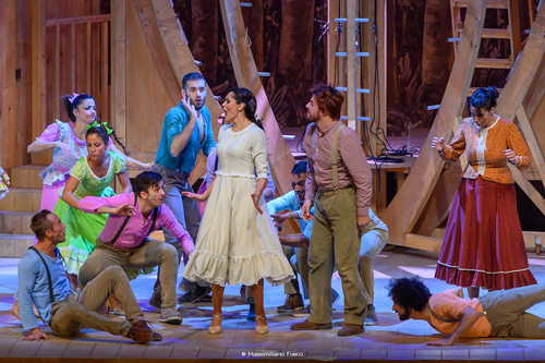 Aggiungi un posto a tavola, lo spettacolo in scena al Teatro Brancaccio di Roma dal 18 dicembre