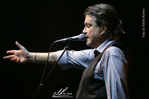 """Il tour di Cristiano De André """"Storia di un impiegato"""" arriva al Teatro degli Arcimboldi di Milano"""