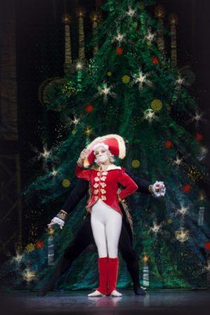Lo Schiaccianoci con il Corpo di Ballo del Balletto di San Pietroburgo in scena al Teatro Traiano di Civitavecchia