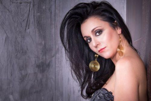 """La cantautrice Rosmy premiata per il videoclip del singolo """"Fammi credere all'eterno"""""""