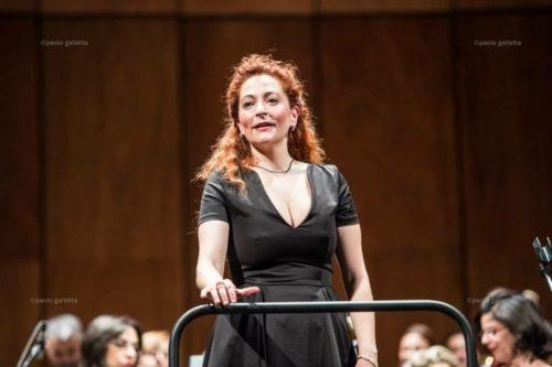 Cettina Donato dirige 8 concerti con l'Orchestra Sinfonica della Città Metropolitana di Bari per festeggiare il Natale 2019