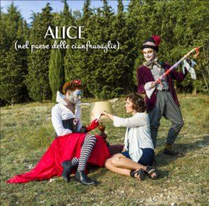 """""""Alice (nel paese delle cianfrusaglie)"""", il nuovo singolo di Giulia Ventisette"""