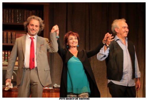 """Si ride e si riflette con """"Non è una tragedia"""" al Teatro delle Muse di Roma"""